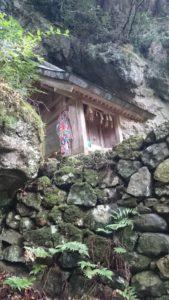 韓竈神社 社殿下