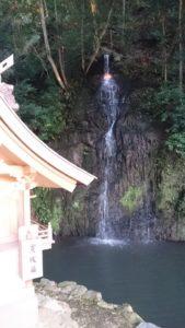 亀の尾の滝(天神社)